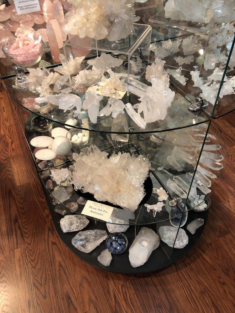 Crystal Waters: 7 Spring St, Eureka Springs, AR