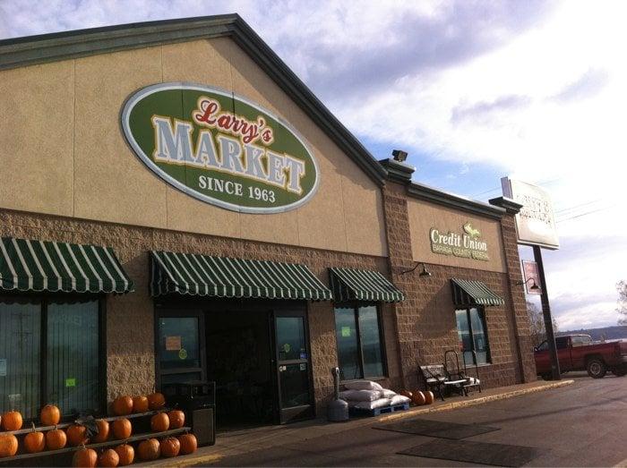 Larry's Market: US Highway 41, Baraga, MI