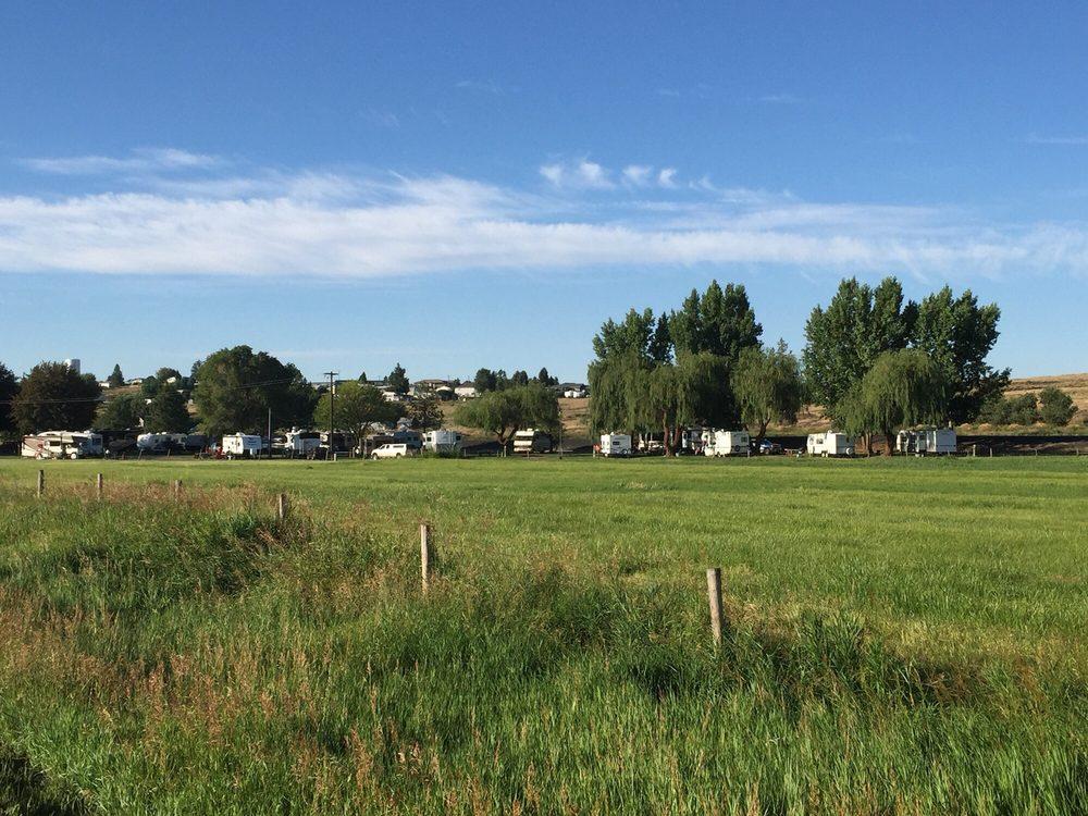 Country Lane Campground & RV Park: 14 Portland St NW, Wilbur, WA