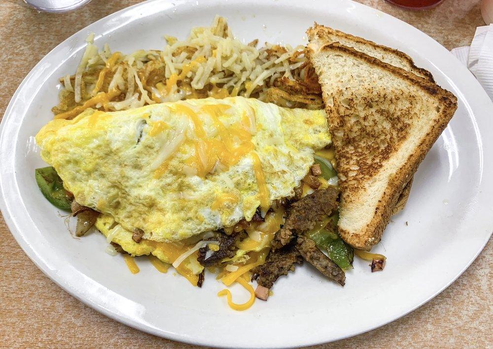 Breakfast Cove: 3419 Highway 51 S, Covington, TN