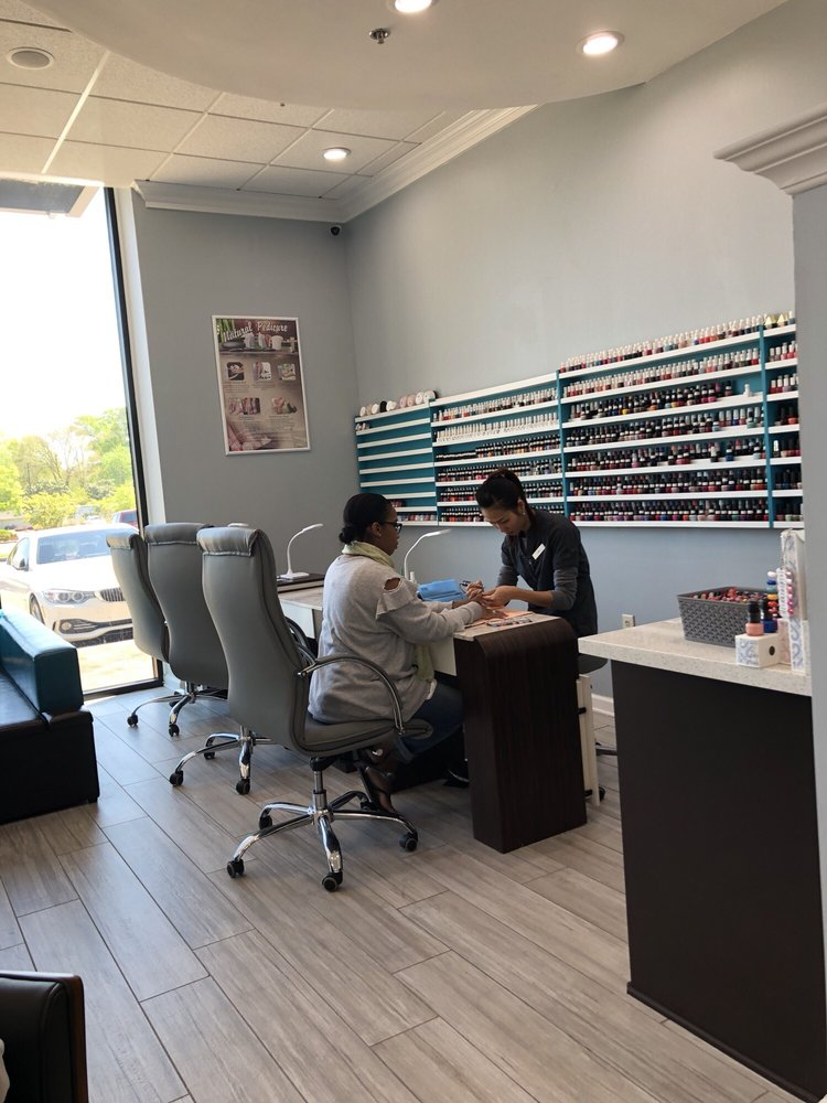 The Nail Lounge: 4500 Interstate 55 North Frontage Rd, Jackson, MS