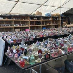Photo Of Aquaduck Fleamarket Brooklyn Ny United States Semi Used Perfume