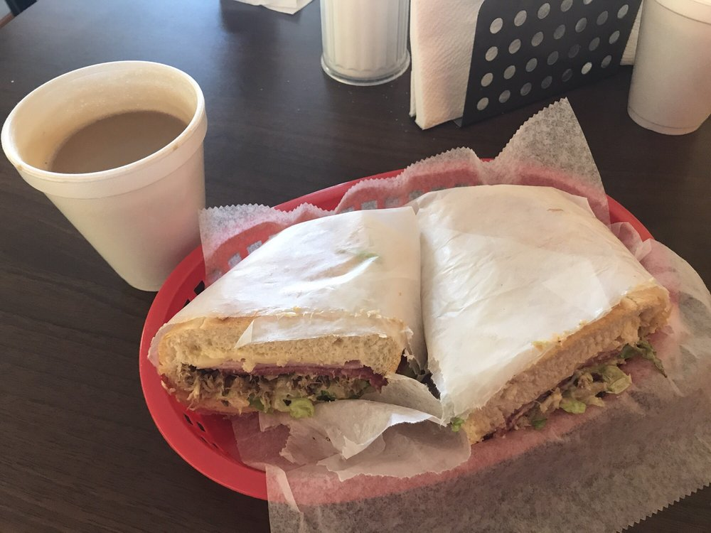 Medellín Bakery & Sandwich Shop: 7026 W Hillsborough Ave, Tampa, FL