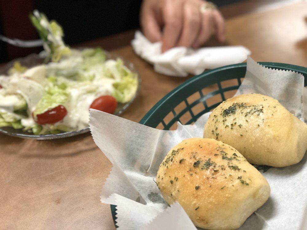 Palermo's Pizzeria & Italian Family Restaurant: 103 E Main St, Hummelstown, PA