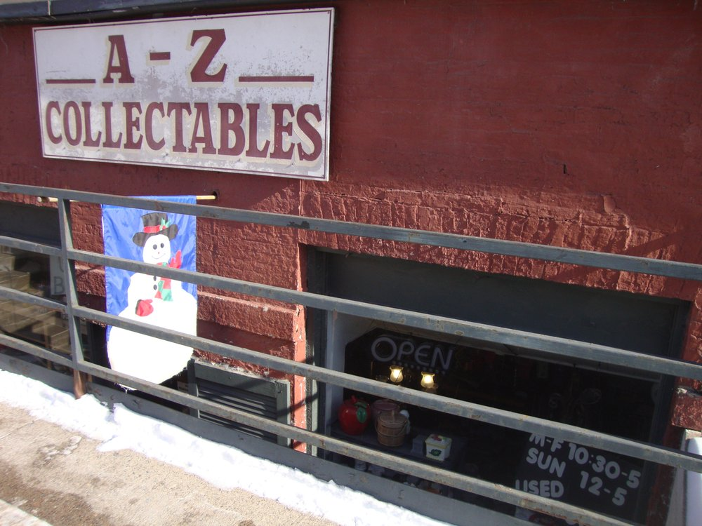 A-Z Collectables: 152 Main St, Winona, MN