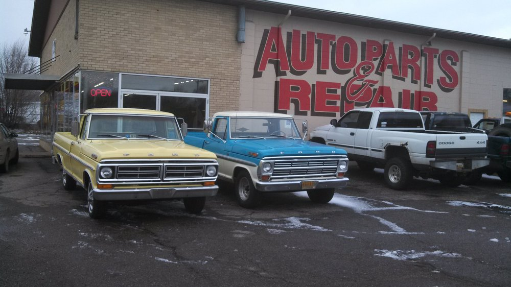 Robbins Auto Value & Service Center: 948 N Broadway St, Union City, MI