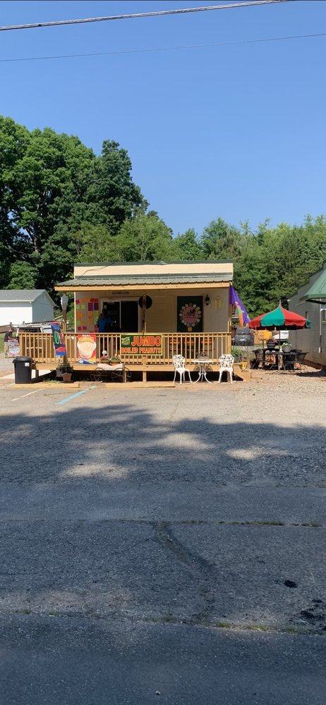 The Roost Ice Cream Shop: 3058 Wilkesboro Hwy, Statesville, NC