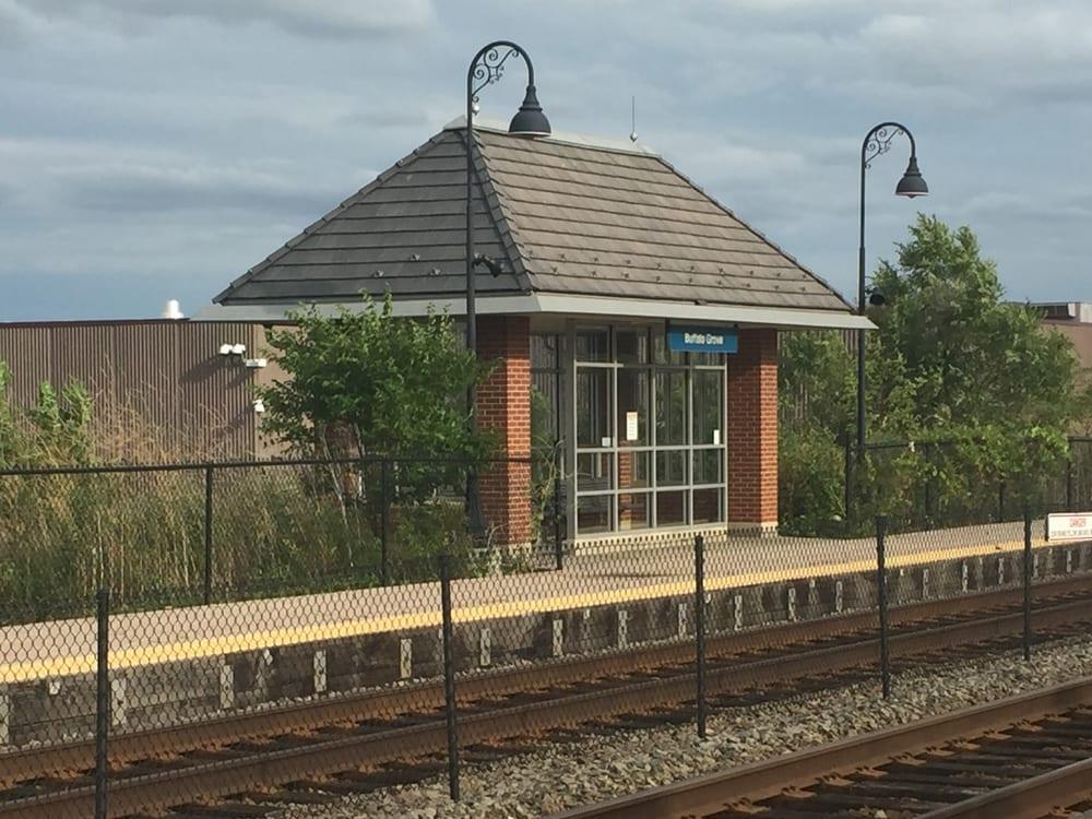 Metra Station Buffalo Grove: 825 Commerce Ct, Buffalo Grove, IL