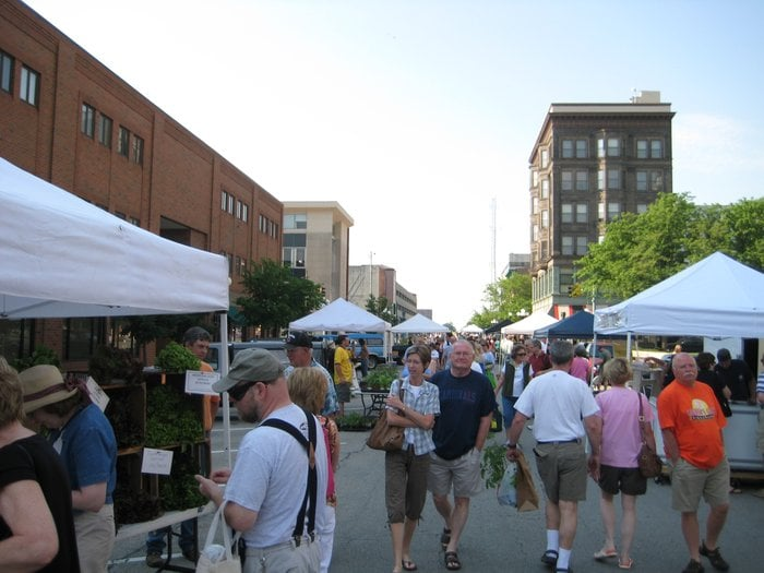 Downtown Bloomington Farmers' Market: On The Square In Downtown Bloomington, Bloomington, IL