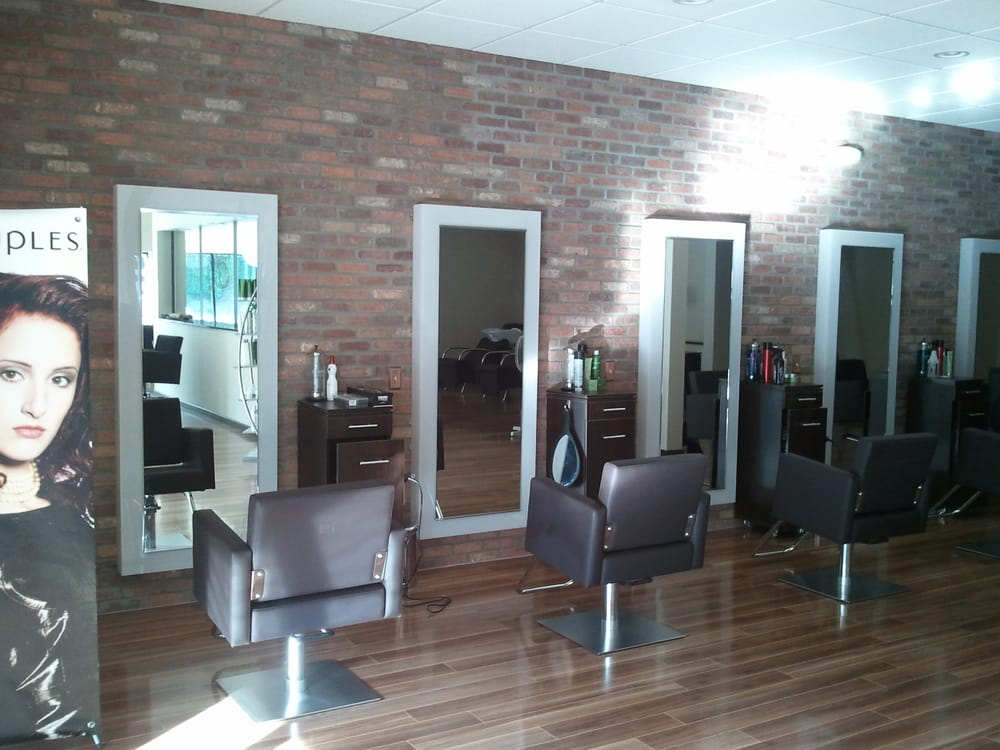 Vintage salon haarstylisten 5716 berkshire valley rd for Accentric salon oakridge