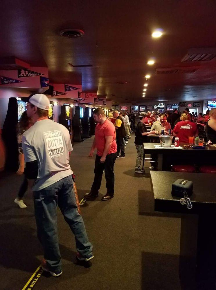 Shooters Sports Bar: 1618 Main St, Lewiston, ID