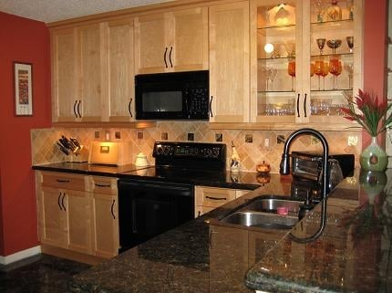 Mjm cabinet kitchen bath 226 w 23rd st hialeah fl for Kitchen cabinets hialeah