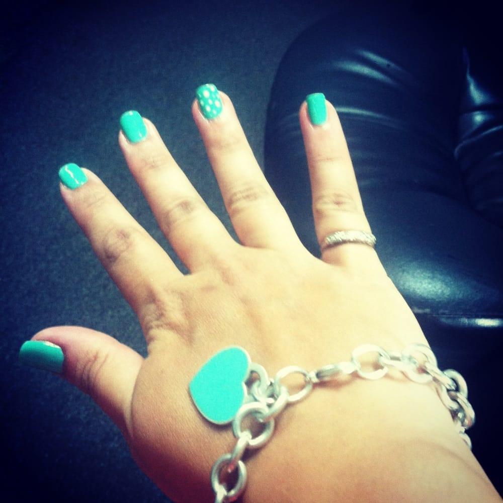 Tiffany Blue Gel Nail Polish: Tiffany Blue In Gel Nail Polish