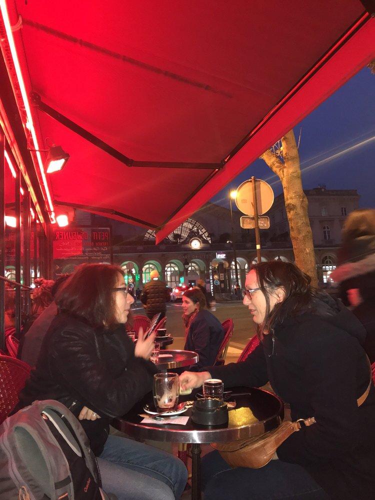 East Side Caf Ef Bf Bd  Rue Du Faubourg Saint Martin  Paris