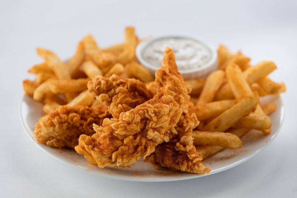 Golden Chick: 405 W 4th St, Cameron, TX