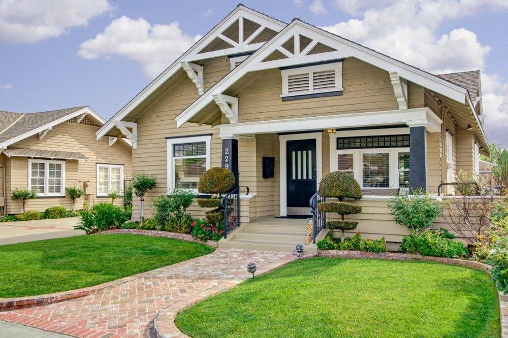 seven gables real estate - 1000×666