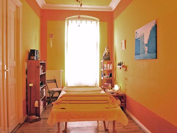 massage deluxe dunckerstr 80a prenzlauer berg berlin yelp. Black Bedroom Furniture Sets. Home Design Ideas