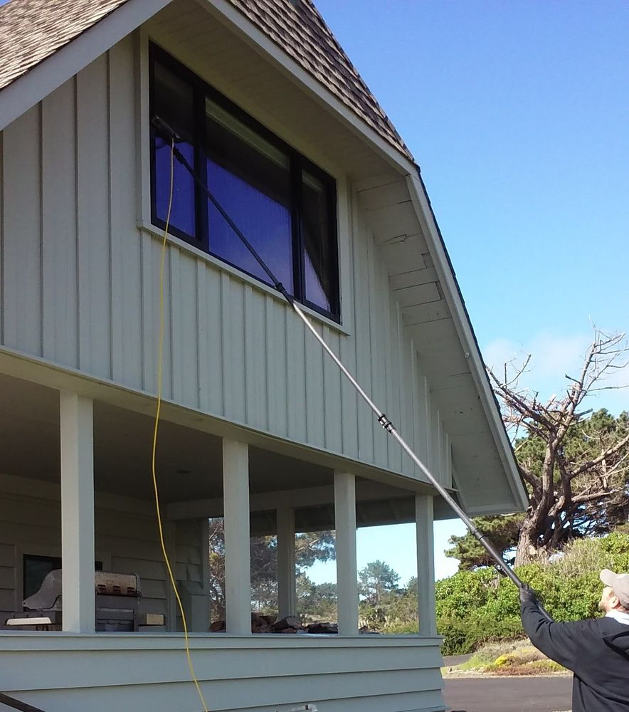 Mendo View Window Cleaning: 321 S McPherson, Fort Bragg, CA