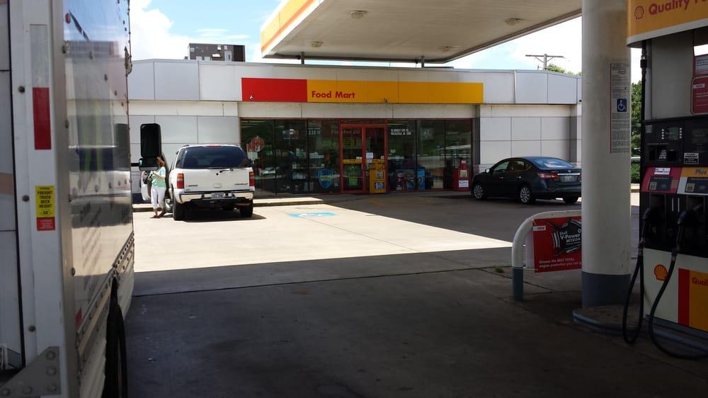 Shell: 20 Bradley Cove Rd, Russellville, AR