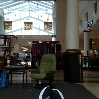 Photo Of Crabtree Valley Mall   Raleigh, NC, United States. Chilling On Some