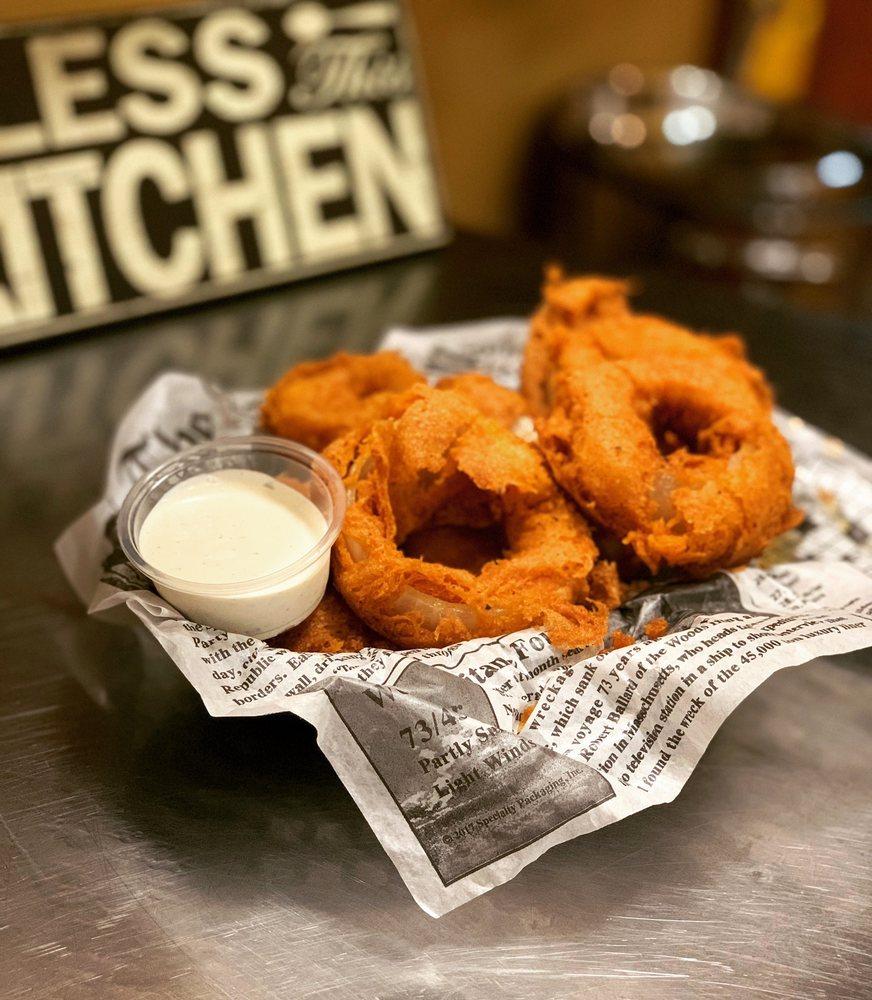 830 Kitchen: 301 Ave B, Del Rio, TX