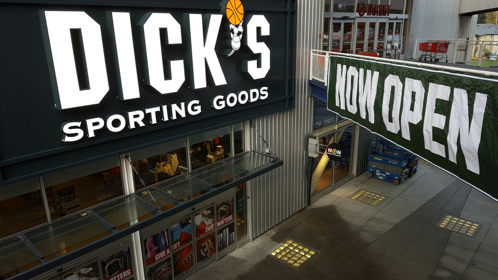 DICK'S Sporting Goods: 328 NE Northgate Way, Seattle, WA