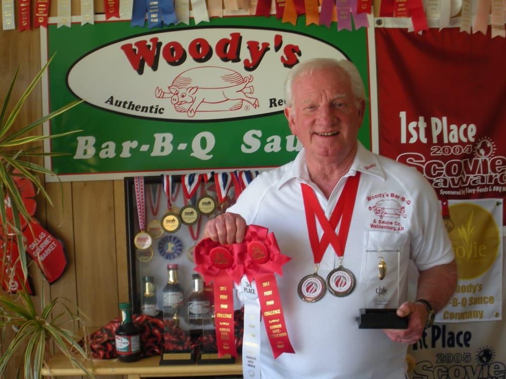 Woody's Bar-B-Q: 6512 Hwy 14 E, Waldenburg, AR