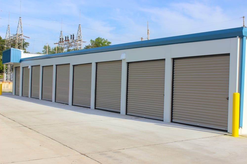 SafeSpot Self Storage: 867 N Clark St, Cape Girardeau, MO