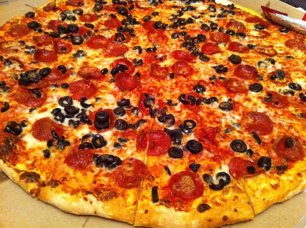 extra crispy halal pepperoni black olive king kong sized pizza yelp. Black Bedroom Furniture Sets. Home Design Ideas