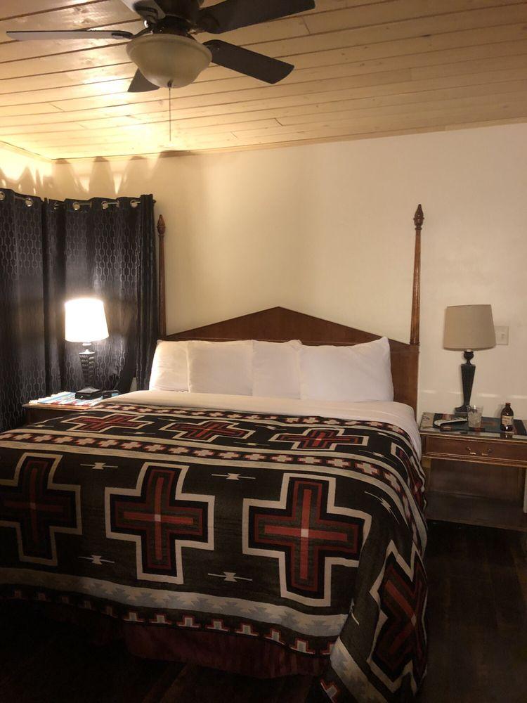 Apache Lodge Motel: 1130 E Gurley St, Prescott, AZ