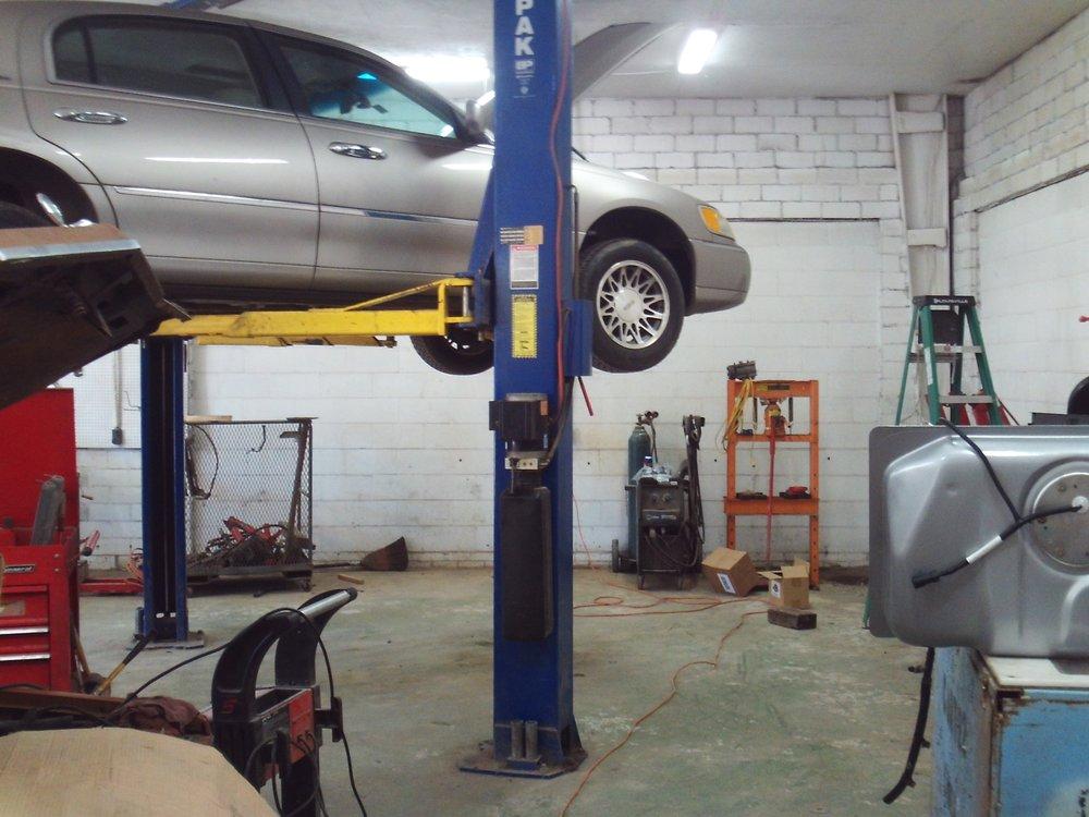 Carrollton Automotive: 705 South Main St, Carrollton, MO