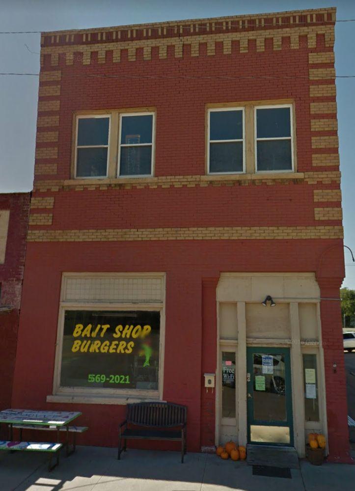 Bait Shop Burgers: 701 E St, Snyder, OK