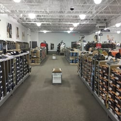3f1bc875f31 DSW Designer Shoe Warehouse - 16 Photos - Shoe Stores - 198 Maine Mall Rd