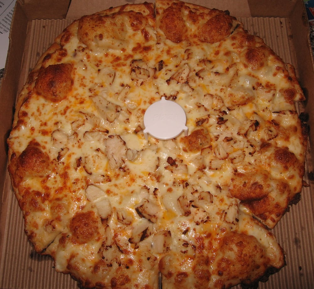 Round Table Pizza: Medium Grilled Chicken With Garlic Sauce, Extra Cheese