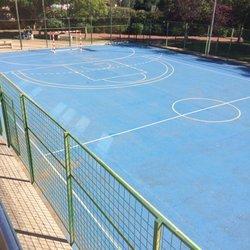 Cafeteria piscina cubierta quart cafeteria avenida for Piscina quart de poblet
