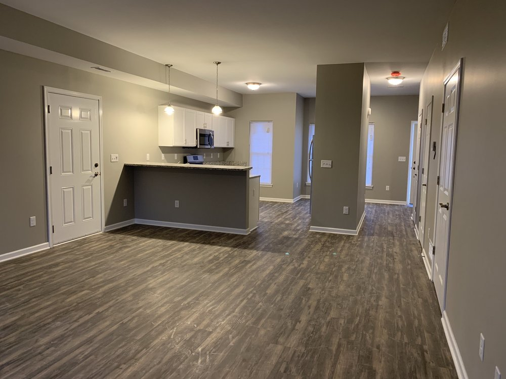 Waterford Townhomes: 8976 Roll Rd, Clarence, NY