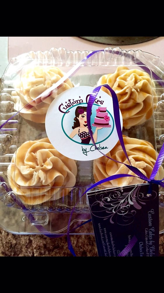 Custom Cakes By Chelsea