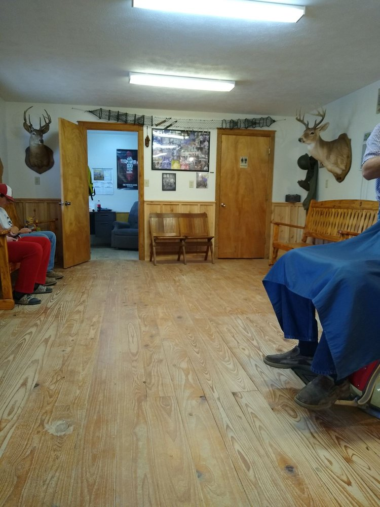 Duck's Barber Shop: 1510 4th St, Jonesville, LA