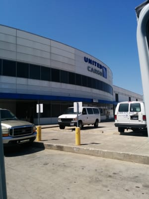 United Airlines Cargo 3230 Pallet Rd Houston, TX Courier