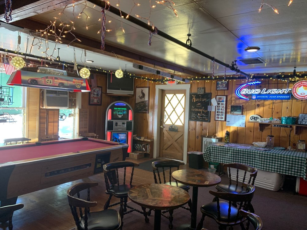 Knotty Pine Tavern: 7426 California 89, Graeagle, CA