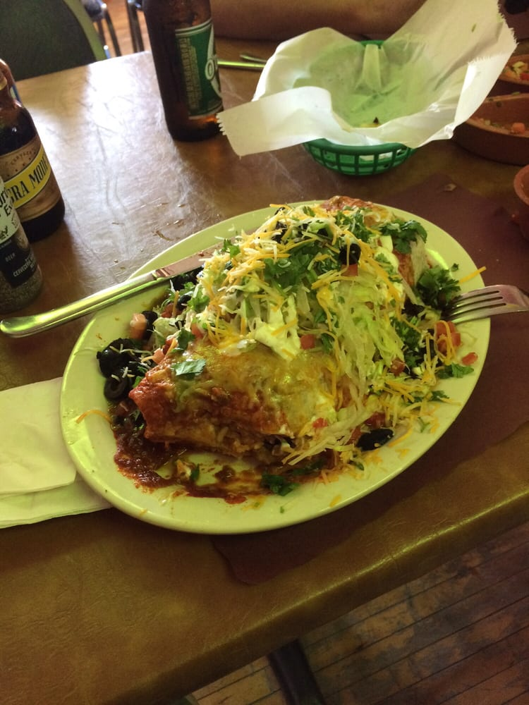 Really Good Hot Mexican Food To Order At A Restaurant