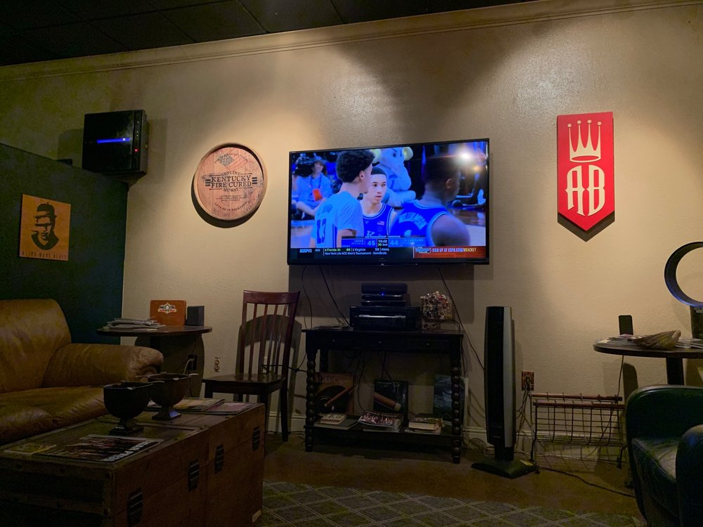 Corona Club: 333 Merchant St, Vacaville, CA
