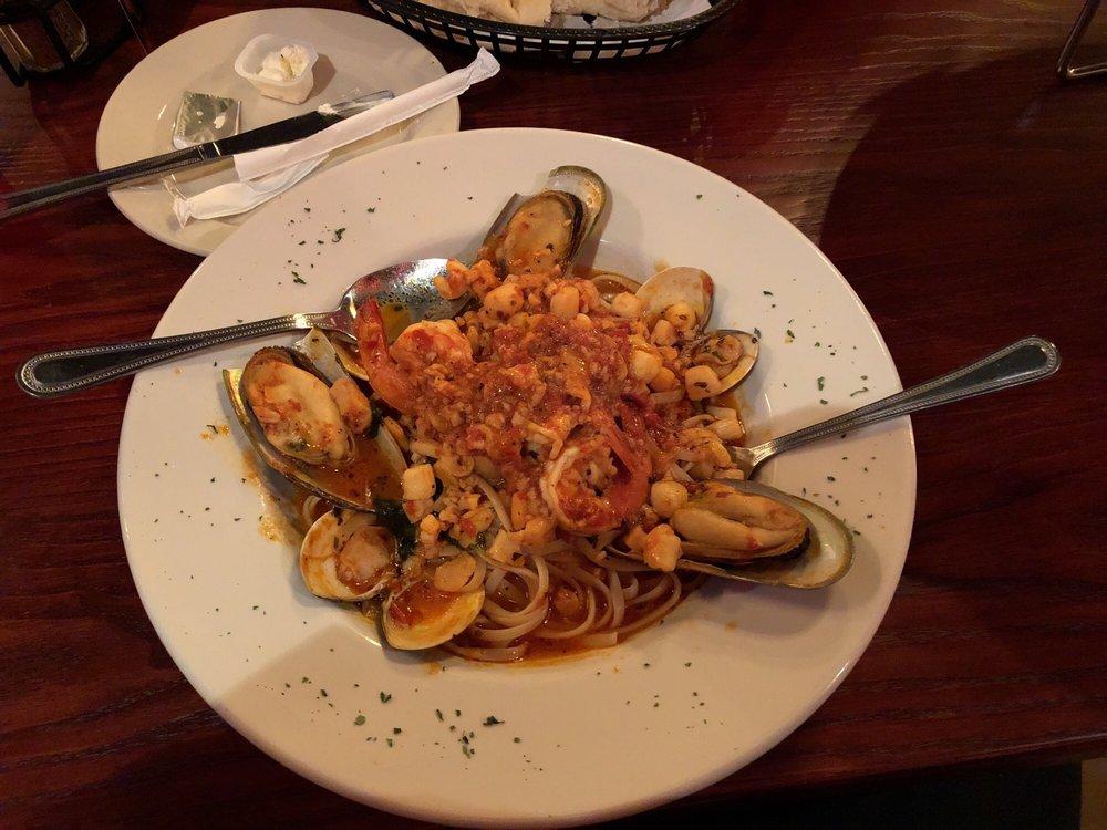 Roma Italian Bistro: 124 S Washington St, Bastrop, LA