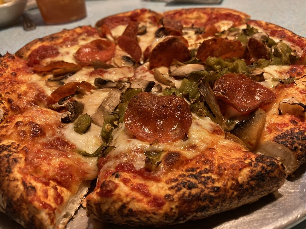Diego's Pizza: 1775 Historic US 66, Santa Rosa, NM