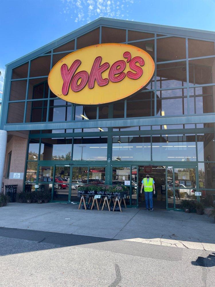 Yoke's Fresh Market: 3321 W Indian Trail Rd, Spokane, WA