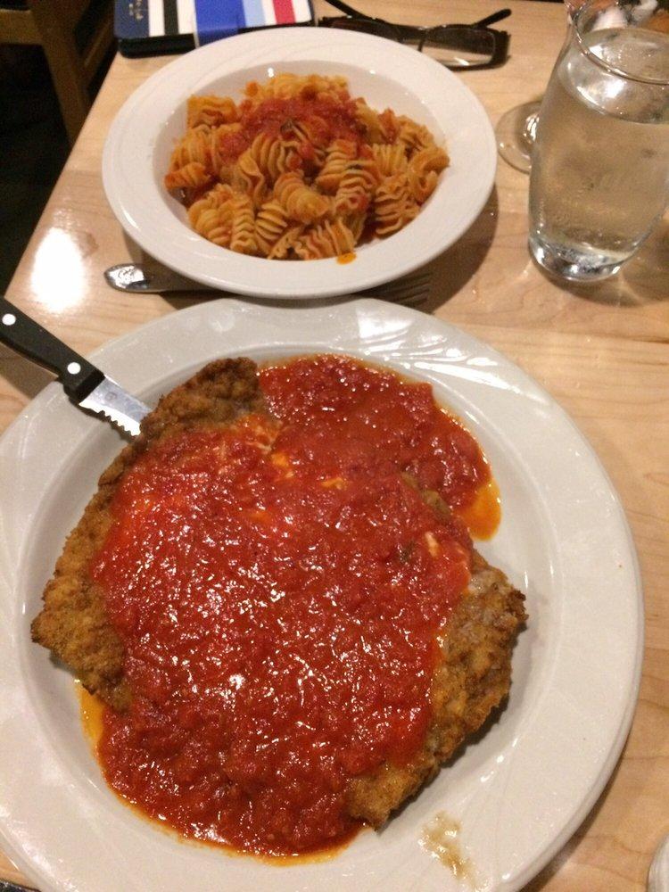 Pat's Italian Restaurant: 1200 Hartford Ave, Johnston, RI