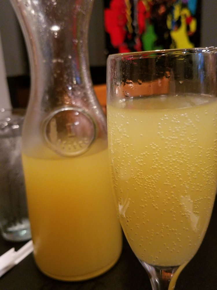 Spongebob Carafe Pineapple Mimosa Look At That Beautiful Bubbly Yelp