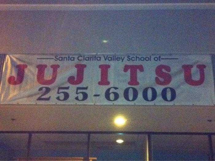 Santa Clarita Valley School of Jujitsu   26620 Valley Center Dr #106, Canyon Country, CA, 91351   +1 (661) 255-6000