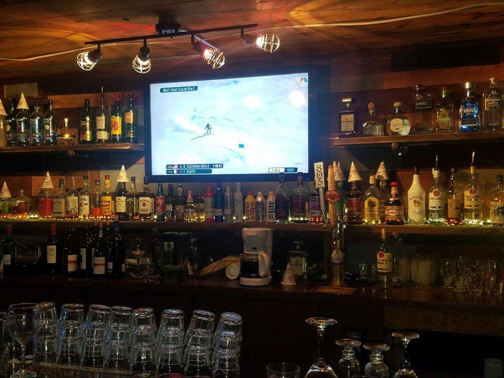 Chuckwagon Restaurant & Lounge: 46305 Poppet Flats Rd, Banning, CA