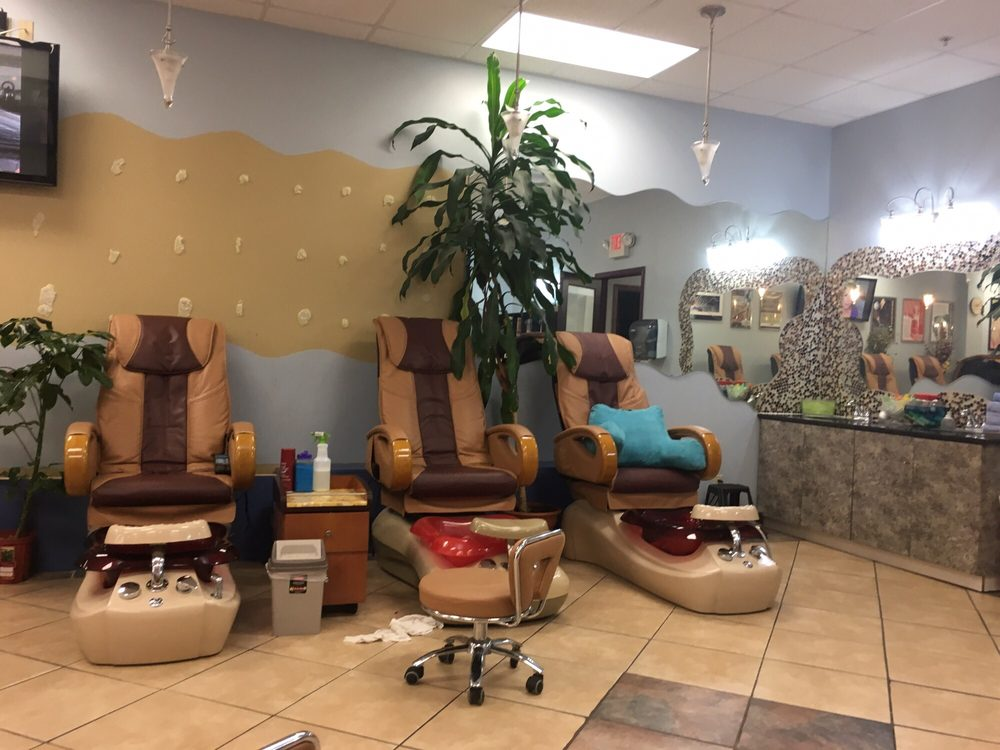 Pro Nails & Spa: 719 N 114th St, Omaha, NE